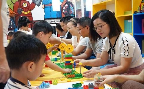 报名参加集体活动对孩子的八大益处